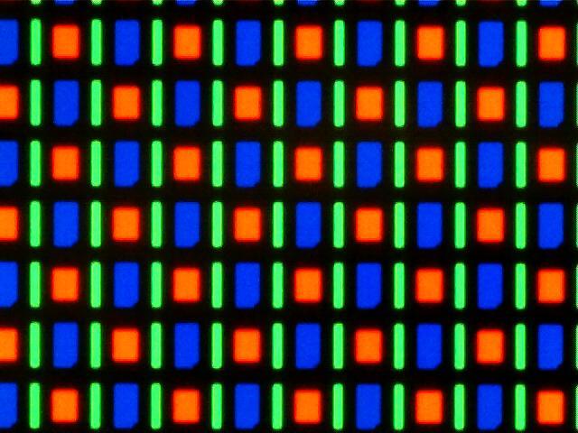 شكل البيكسلات في شاشات AMOLED