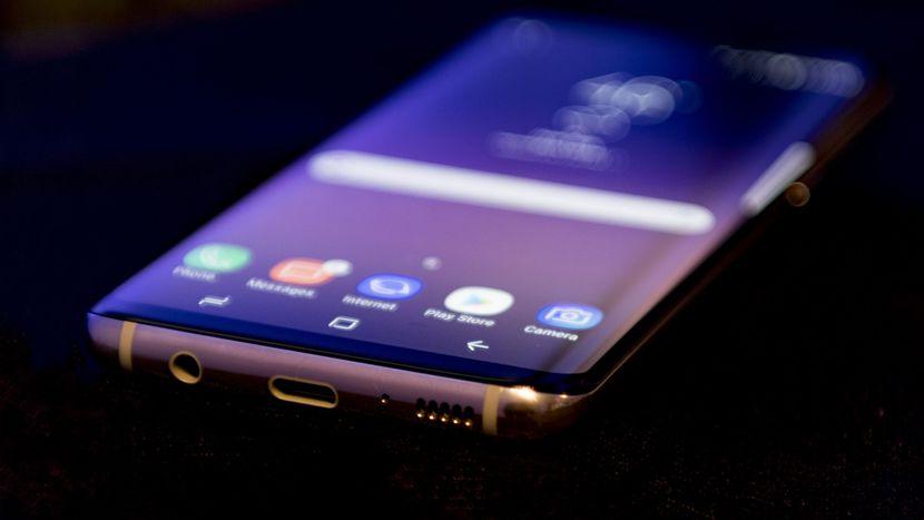 مكالمات واداء صوت Samsung Galaxy S8