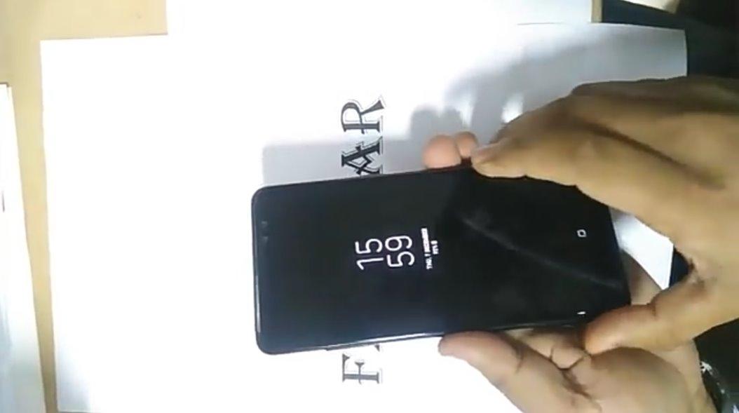 خاصية الشاشة الدائمة في موبايل Galaxy A8 Plus