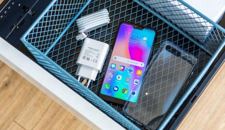 محتويات علبة Huawei Honor 10