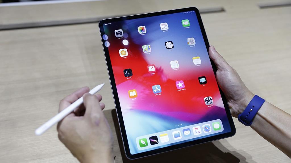 سعر ومواصفات Apple iPad Pro 12 9 2018 وأهم مميزاته وعيوبه