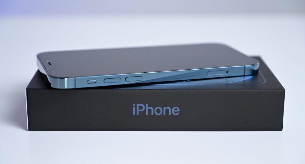مراجعة iPhone 12 mini